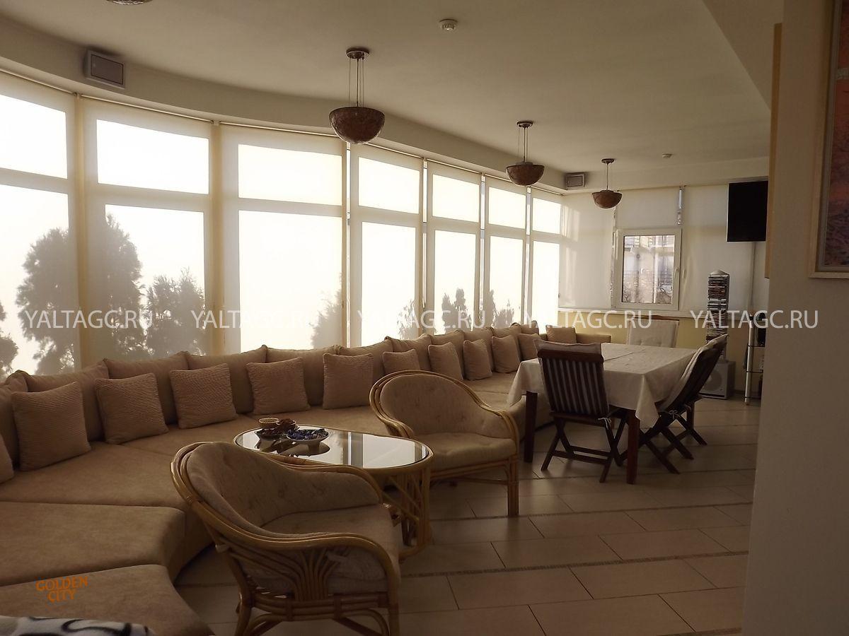 Гостиница на Набережной Ялты